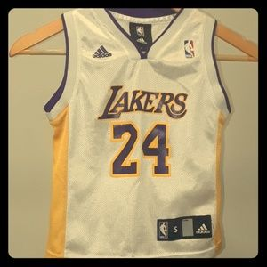 🔥🏀#24🏆L.A. LAKERS N.B.A. JERSEY-MINT CONDITION!